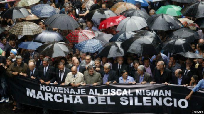 Marcha contra el gobierno en honor al fiscal Nisman.