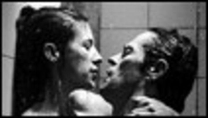 الجنس والرعب والعنف في فيلم نقيض المسيح Bbc News Arabic