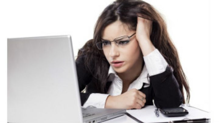 dolor de cabeza mareos nauseas cansancio vision borrosa