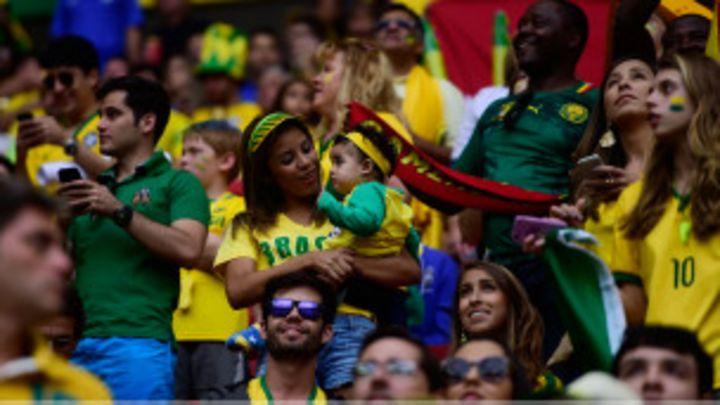 A torcida brasileira está decepcionando na Copa  - BBC News Brasil 441e04f8f49f8