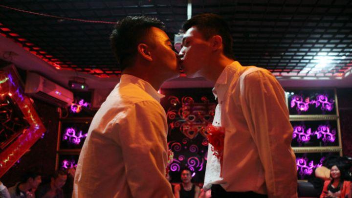 Региональные гей знакомства фото 238-36