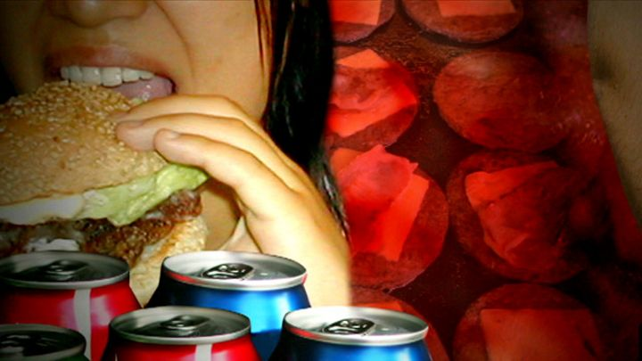 ¿Qué le pasa a nuestro cuerpo cuando comemos demasiado?