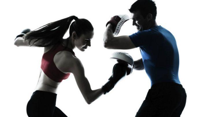 como entrenar boxeo solo en casa
