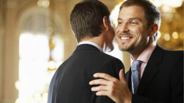 El contacto fisico entre dos sexos distintos [PUNIQRANDLINE-(au-dating-names.txt) 53