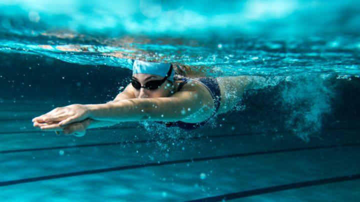 Cuáles son los mejores ejercicios para las personas que sufren dolores de  espalda - BBC News Mundo 8384aab1089f