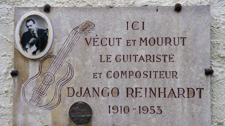 Placa de Reinhardt en el cementerio francés