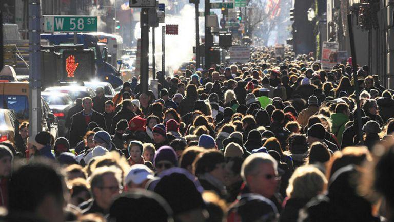 В течение нескольких столетий небольшая группа людей может дать начало популяции в несколько миллиардов - если подойти к делу с умом