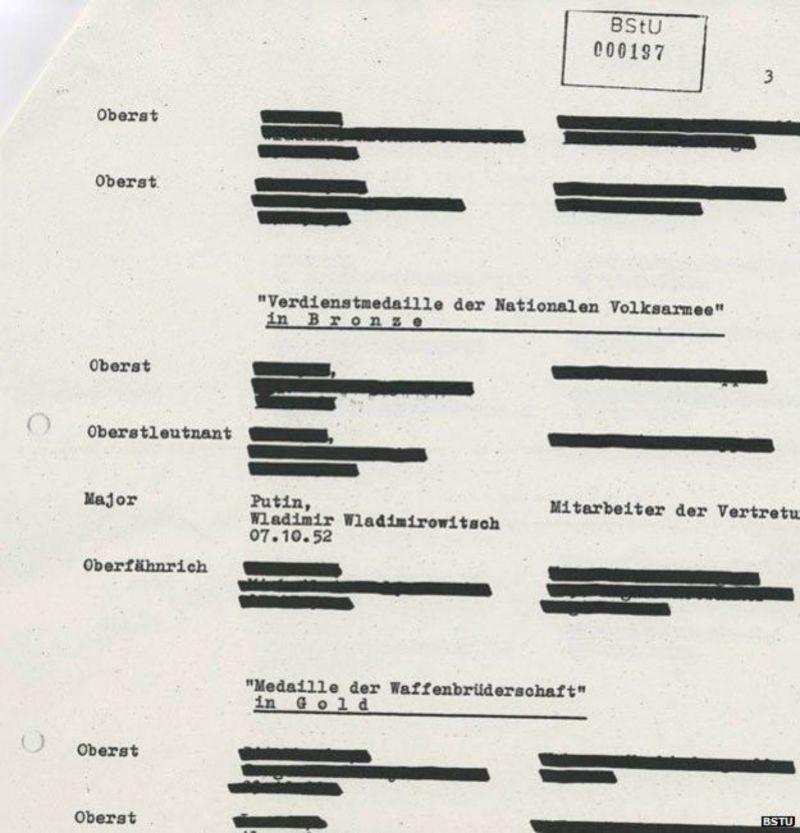 Un documento censurado de la Stasi que menciona a Putin