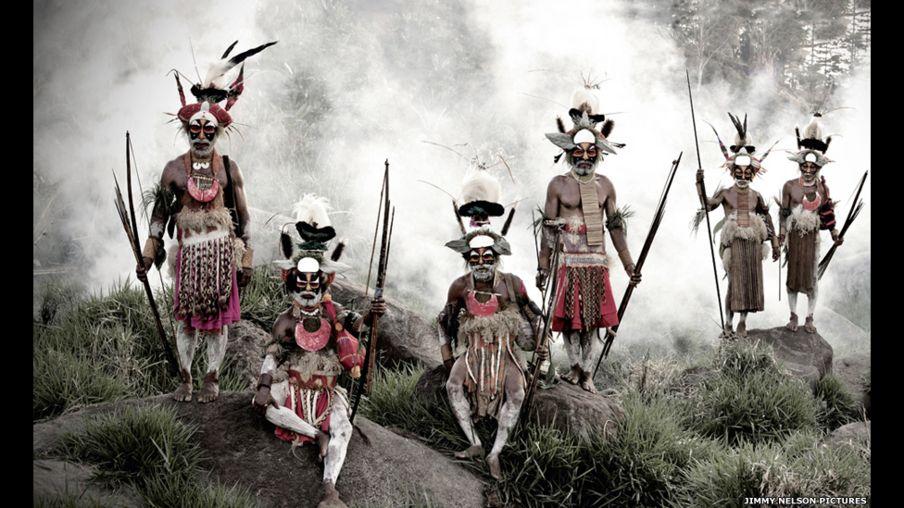 'Antes que morram': fotógrafo capta diversidade de tribos indígenas no mundo