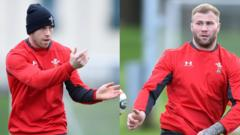 Gareth Davies (left) and Ross Moriarty