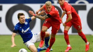 Schalke v Augsburg