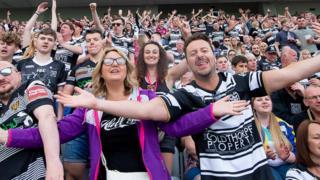 Hull FC fans
