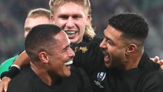 Aaron Smith of New Zealand celebrates with Richie Mo'unga of New Zealand
