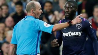 Arthur Masuaku red card