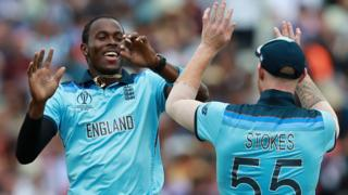 Jofra Archer celebrates with Ben Stokes