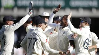 Jofra Archer celebrates a wicket
