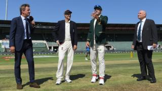 Joe Root and Faf du Plessis