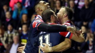 Sydney Roosters celebrate try