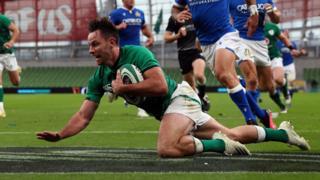 Hugo Keenan scores