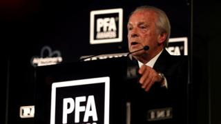 Chief executive Gordon Taylor speaking at the PFA awards