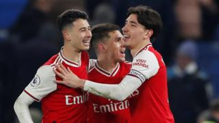 Arsenal celebrate Hector Bellerin's goal