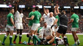England celebrate Luke Cowan-Dickie's try