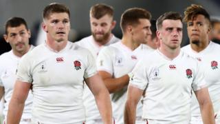England begin their lap of honour after beating New Zealand in the World Cup semi-final