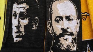 Scarf showing Javi Gracia and Nuno Espirito Santo