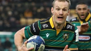 Rory Hutchinson scores a try for Northampton Saints