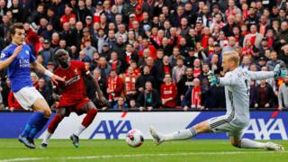 Sadio Mane scores