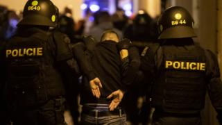 Police make arrests in Prague at Czech Republic v England