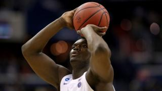 Zion Williamson playing for Duke