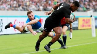 Sevu Reece scores fcor New Zealand