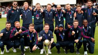 England squad at The Oval with the Cricket World Cup trophy