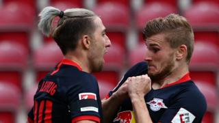 Timo Werner (r) celebrates his second goal against Mainz with Kevin Kampl