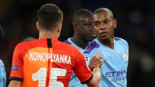 Fernandinho (right)
