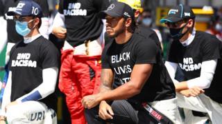 F1 drivers take the knee