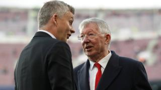 Ole Gunnar Solskjaer and Alex Ferguson at the Nou Camp