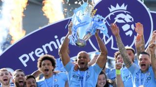 Vincent Kompany, Manchester City, Premier League trophy
