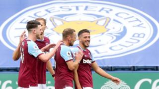 West Ham players celebrate Pablo Fornals' goal at Leicester
