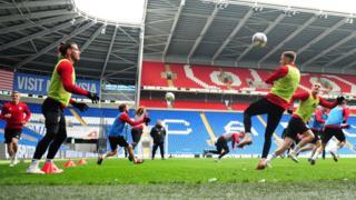 Gareth Bale trains