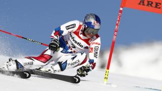 Alexis Pinturault first run leader