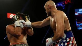 Tyson Fury punches Schwarz