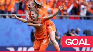 Miedema celebrates record breaking goal