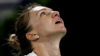 Simona Halep loses to Belinda Bencic in Dubai