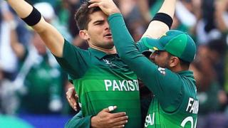 Shaeen Afridi celebrates taking Colin Munro's wicket