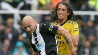Newcastle's Jonjo Shelvey and Arsenal's Matteo Guendozi
