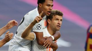 Thomas Muller (right)