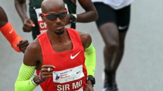 Mo Farah in action at the 2018 Chicago Marathon