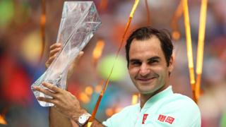 Roger Federer with the Miami Open trophy